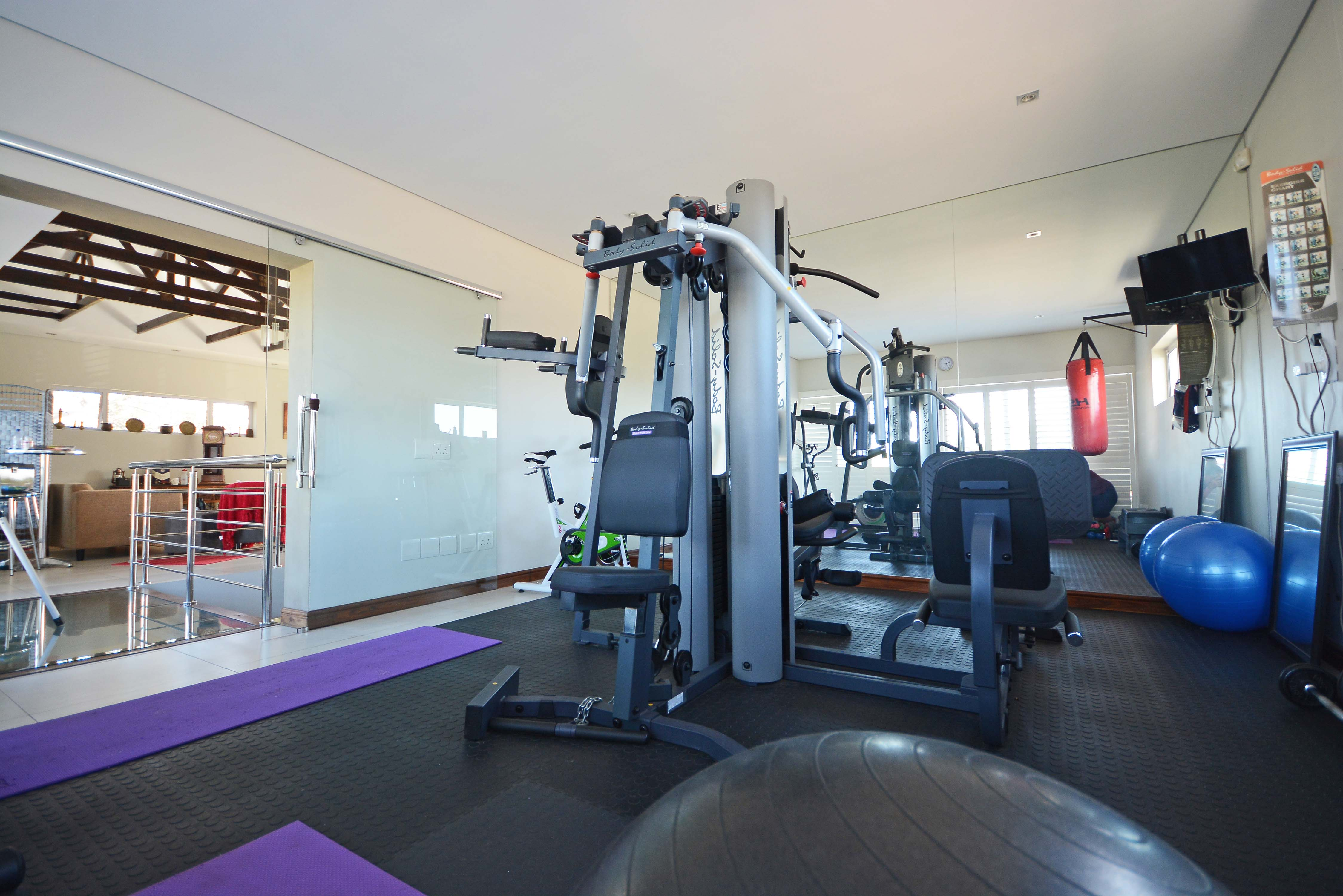 Pt fit training table view info for Beauty spa tableview